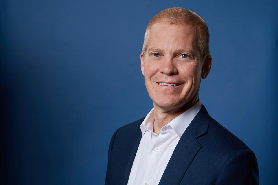 Headshot of Will Glaser, the cofounder and CEO at Grabango.