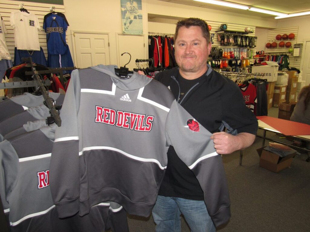 Swan's Sport Shop: Going the extra mile for patrons since 1969   News, Sports, Jobs